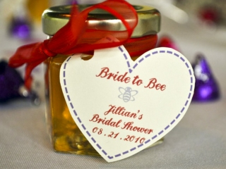 Homemade DIY Honey Jar Wedding Favor Ideas That Are Inspired