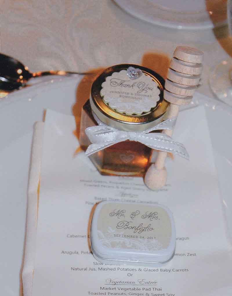 Honey Wedding Favor Photo Idea