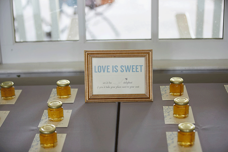 shayna and johns honey jar wedding favors story