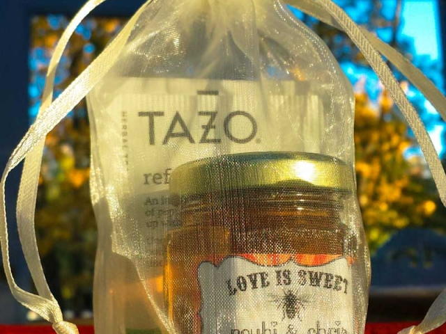 Organza Bat Homemade DIY Honey Jar Wedding Favor Idea