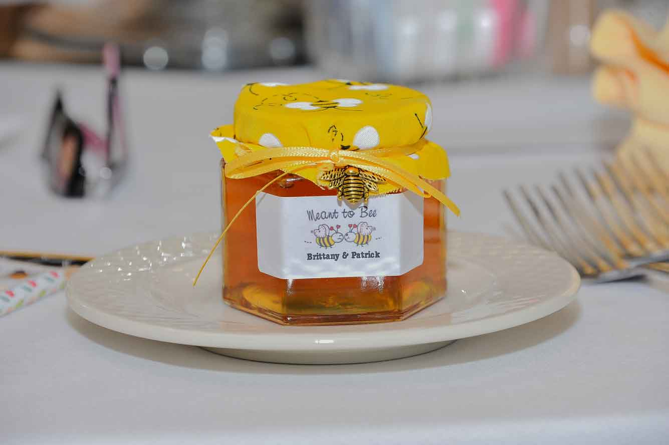 6oz Honey Wedding Favor Photo Idea