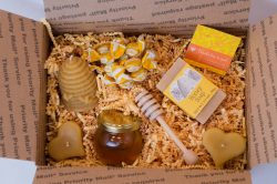 small-honey-food-gift-box-2