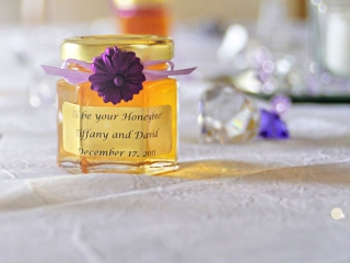 You Can Start Planning Your Homemade DIY Honey Jar Wedding Favors
