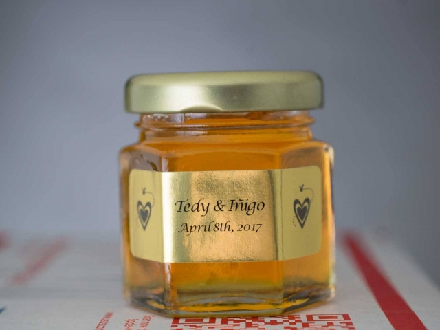 gold front label with hearts Homemade DIY Honey Jar Wedding Favor Idea