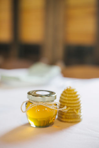 4oz Honey Wedding Favor Photo Idea
